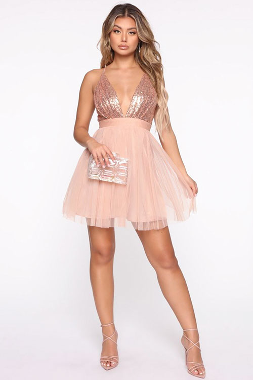Charming Rose Gold Outfits